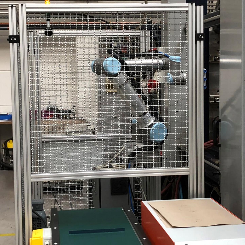 Aplikacja handlingowa robot UR _2