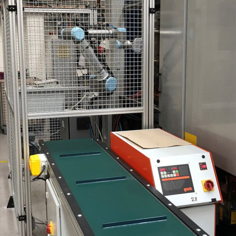 Aplikacja handlingowa robot UR _1
